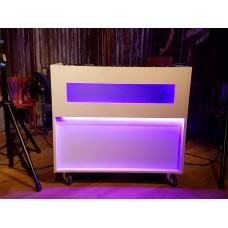 Verhuur GIGBOOTH White DJ bar op wielen incl. LED verlichting excl. DJ apparatuur