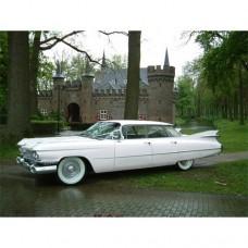 Verhuur Pink Cadillac Sedan de Ville